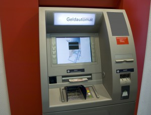 atm-Fotolia_13021508_Subscription_L-300x229